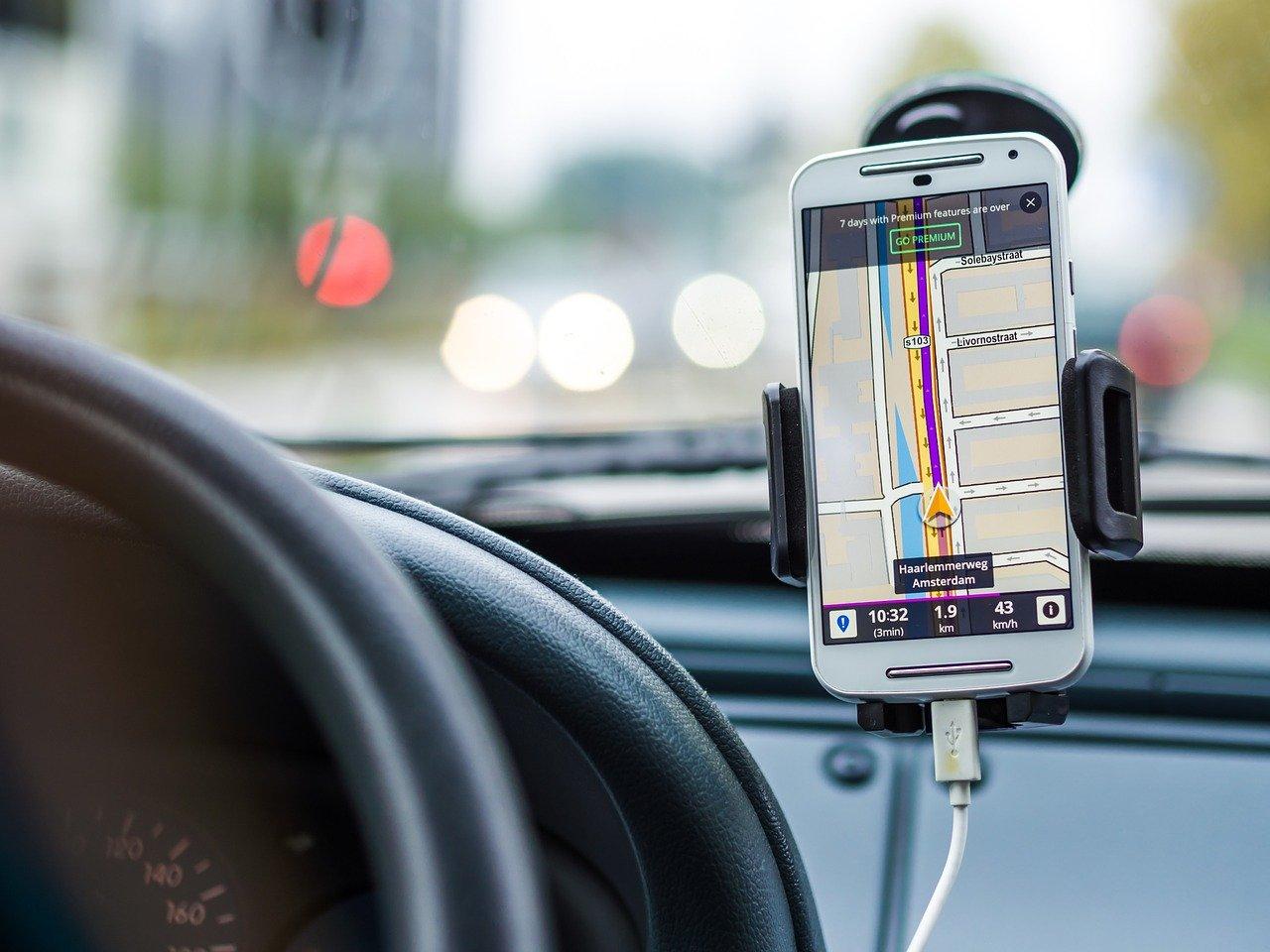 Jakie funkcje powinna posiadać dobra aplikacja nawigacyjna?